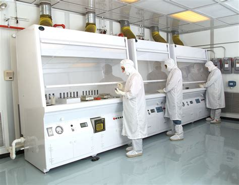 class 100 clean room this featured image shows a class 100 clean room at the nasa glenn research center used for