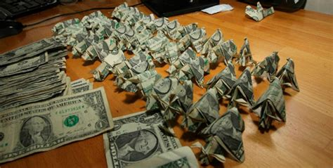 Army Origami - one pays 137 ticket in 1 origami pigs geekologie
