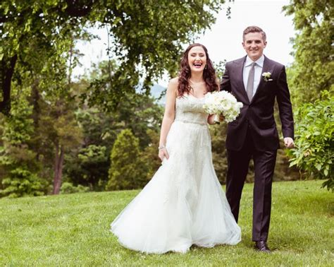 aussie couples cut costs in cheap wedding reality show fairytale wedding in new york onewed