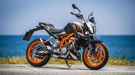Ktm Duke 390 On Road Price In Bangalore Pics Of The 2017 Ktm Duke 390 Emerged And It Looks