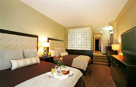 hotels with in room in michigan atheneum suite hotel luxury detroit accommodations