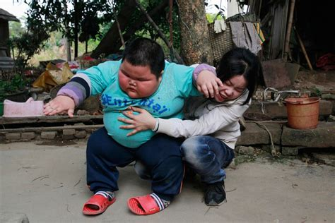 Fat Chinese Boy Meme - little fatty chinese boy weighs 62kg only 4 years old