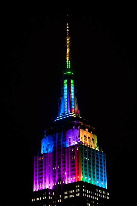 The Empire State Building Debuts Antenna Lights With A