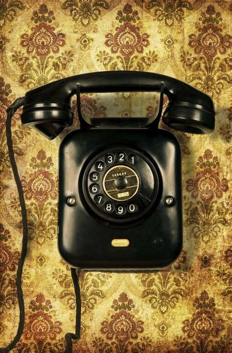 classic wallpaper phone vintage phone telephones artistic photos pinterest