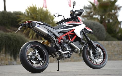 DUCATI HYPERMOTARD 821 (2013 on) Review   MCN
