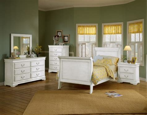 White Furniture For Bedroom by White Bedroom Furniture For Adults