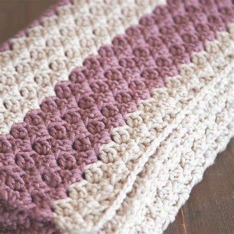 Easiest Way To Crochet A Blanket by Easy Crochet Blanket Patterns Cottageartcreations
