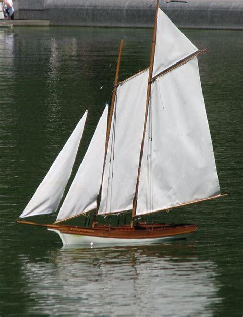 mini boats central park model sailboats