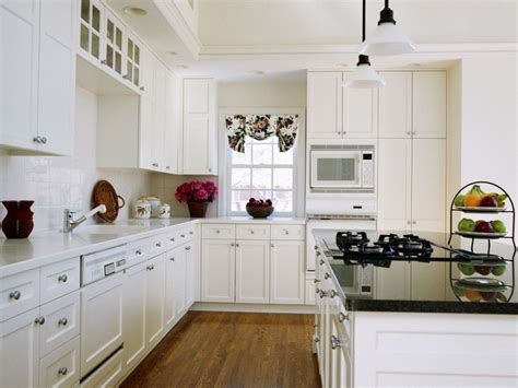 Ideas For Kitchens With White Cabinets | glamorous white kitchen cabinets remodel ideas with molded
