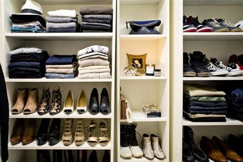 great fall closet clean out guide for purging unworn closet cleaning hack looking fly on a dime