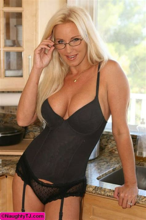 unknown 50 yr old blond women 54 best gorgeous women images on pinterest
