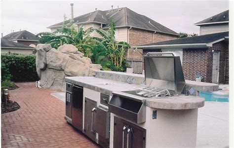 Outdoor Kitchens Houston fireplace pizza oven