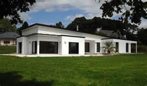 House Plans With Carport r 233 alisations de maisons groupe trecobat maisons toit