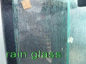 Rolled pattern glass