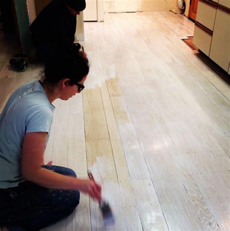 White Washed Pine Floors Shapeyourminds Com