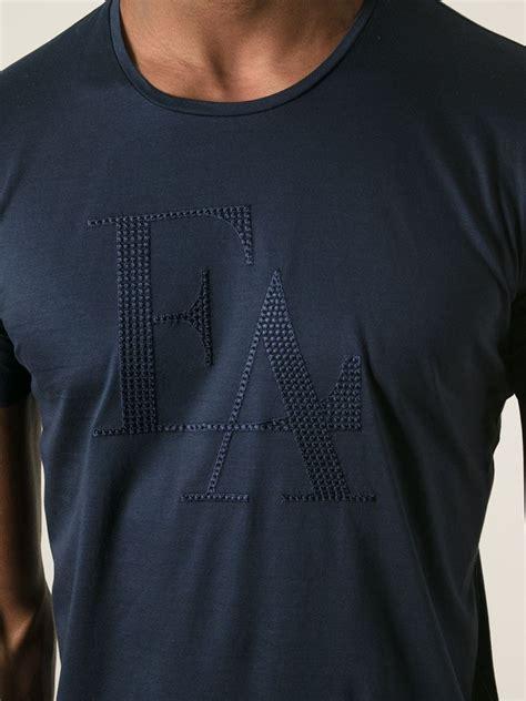 T Shirtskaos Priaemporio Armani 1 lyst emporio armani embroidered logo t shirt in blue for