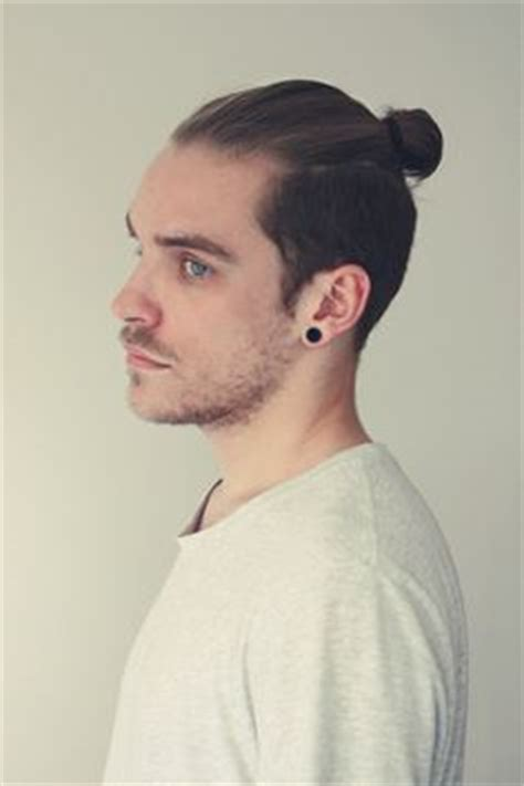 mens mun hairdo 1000 images about men hair bun on pinterest man bun