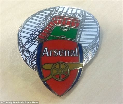Pin Arsenal fraudster meech made 163 22 000 selling poppy appeal and help for heroes pins daily mail