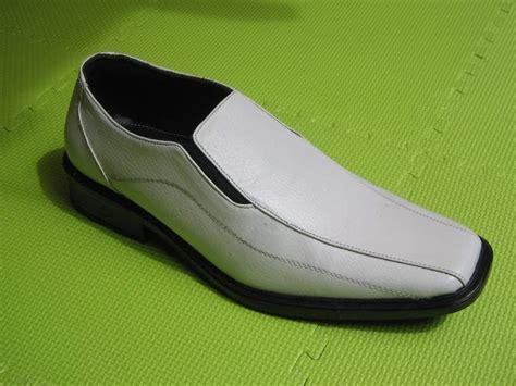 Sepatu Kulit gambar sepatu kulit