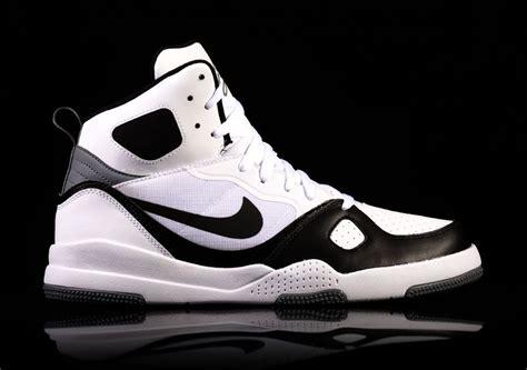 Sepatu Nike Flight 04 40 44 nike of flight white and black for 82 50 basketzone net