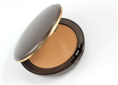 yumei flawless two way compact a few fab foundations for flawless skin this fall makeup