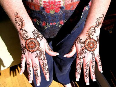 Kaos Kaki Kaheci Henna Motif 13 seni lukis tangan kaki mehndi karya henna multimedia menurut pendapat saya
