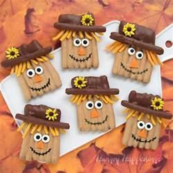 thanksgiving day treats thanksgiving treats chocolate pretzel scarecrows