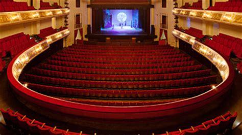 Admiralspalast Foyer 101 by Admiralspalast Berlin
