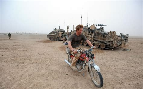 Spot à Pince 2908 by Prince Harry Finds Times To Ride Motorcycle While Fighting
