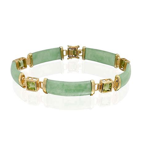 Chinese Woman Faints in Shock After Accidentally Breaking $44,000 Jade Bracelet   kpoplike