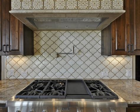 a beautiful spanish tile backsplash home ideas pinterest i like this tile backsplash but in a diff color for the