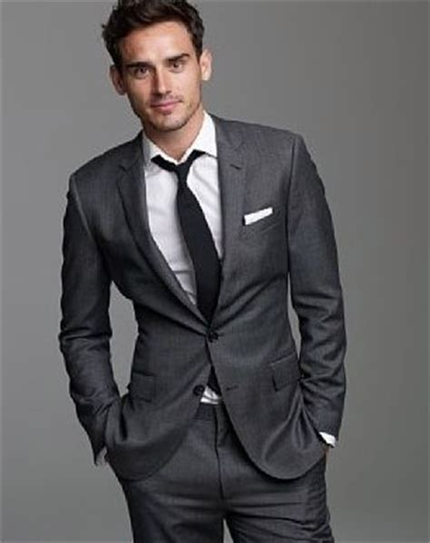 was passt zu grau grey suit gq style colors and grey