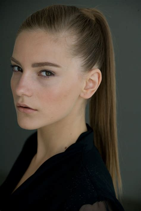 how to wear your hair with a high neck dress sleek ponytail 2014 pretty designs