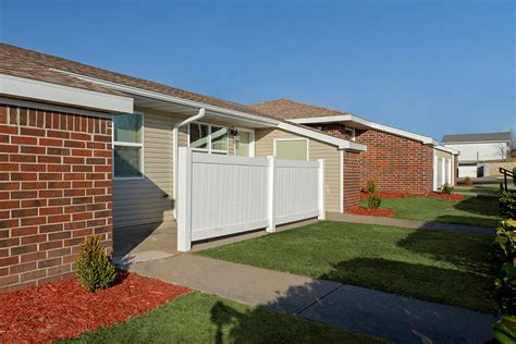 3 bedroom houses for rent in springfield mo pallet jack rentals springfield mo e brookdale ter 100