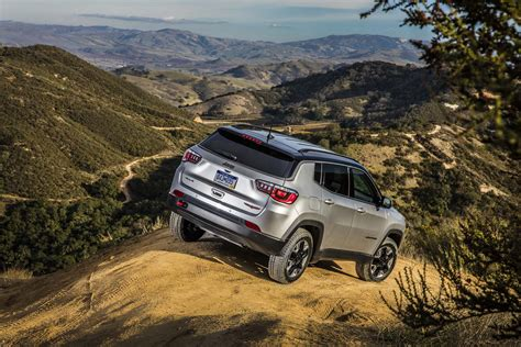jeep ads 2017 2017 jeep compass trailhawk rear three quarters motor trend