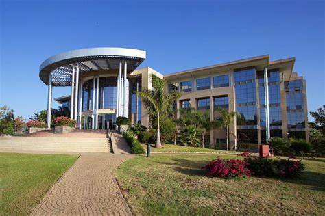 Of Nairobi School Of Business Mba Projects by Usiu Library Nairobi