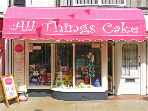 CHALKY'S WORLD: The Cake Shop!