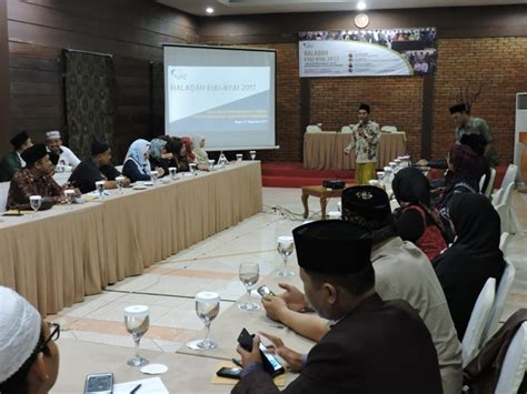 Suluk Kiai Cebolek Oleh Ubaidillah Achmad jihad pesantren berbasis literasi untuk tangkal radikalisme jakarta islamic centre