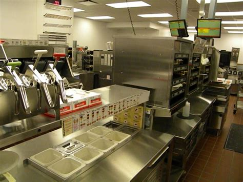 Gotta See What You Eat! ? McDonald?s Opens Up its Kitchen