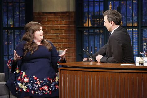 aidy bryant columbia college chicago aidy bryant says snl drunk girls on halloween sketch