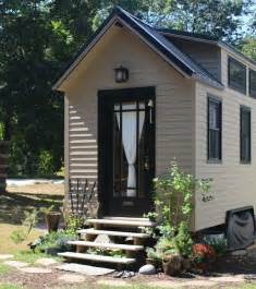 Small House For Rent Brton Impressive Tiny House Built For 30k Fits Family Of