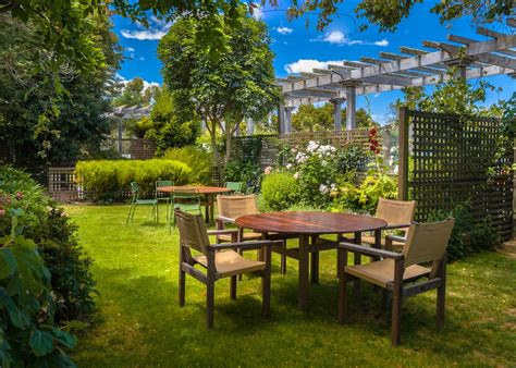 backyard buyers 3 ways to make your backyard more appealing to buyers gogo papa