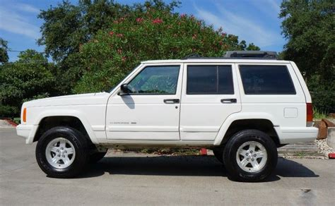old white jeep cherokee 1999 white jeep cherokee 4dr limited jeeps the others