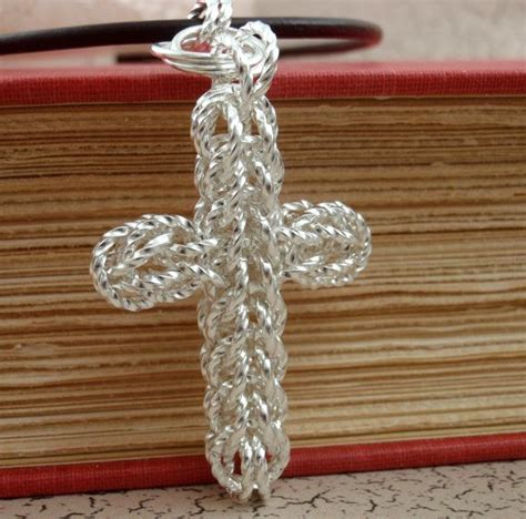 christian craft gold triquetrum economical chainmaille cross pendant kit silver plate gold plate or