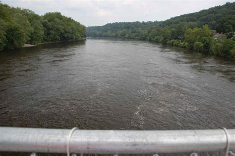 the delaware river divides pennsylvania and new jersey image gallery delawareriver