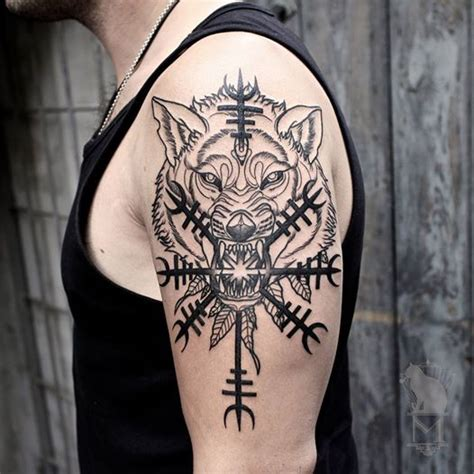 helm of awe tattoo nordic wolf with helm of awe nordic ulv med 198 gishj 225 lmur