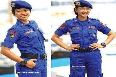 Seragam Pdl Hitam Brimob Benny Rhamdani S Yuk Mengenal Jenis Seragam Polisi