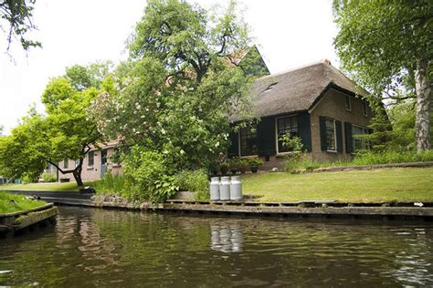 film giethoorn giethoorn the netherlands quot small venice of the north quot