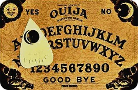 tavola ouija pericoli spiritismo evocazione dei morti defunti pratiche