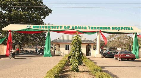 Nursing School Abuja - staffs of uniabuja hospital protest non payment of